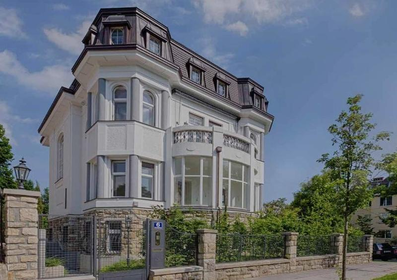 Villa_Vorderansicht