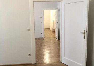 Blick_ins_Wohnzimmer_und_Vorraum
